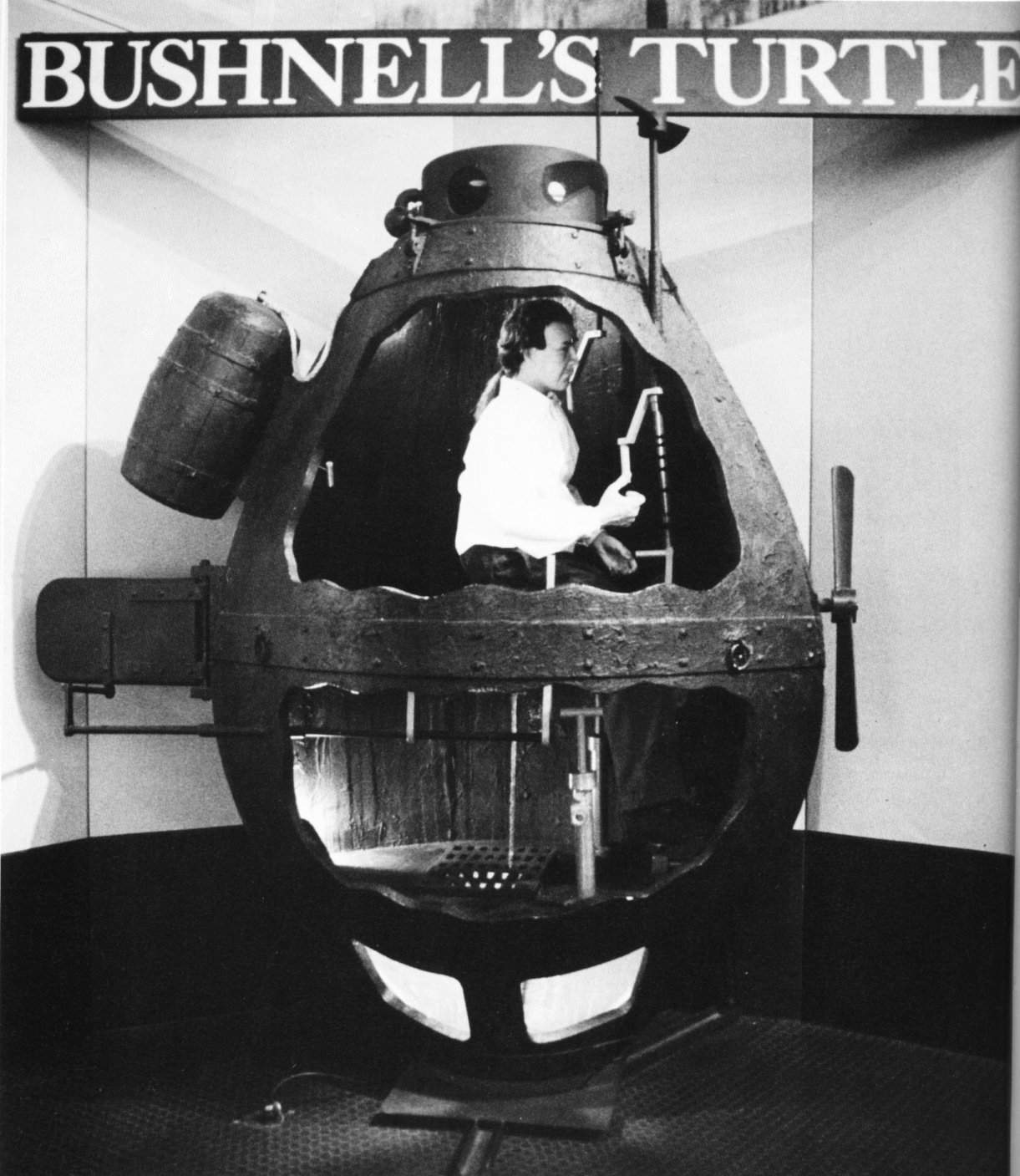 a description of military submarines invented by david bushnell A man who constantly shunned publicity and fame, david bushnell was a man  who loved  submarine in the history of mankind the first developed entirely for  warfare  to science in an attempt to figure out how to sink the british royal  navy.